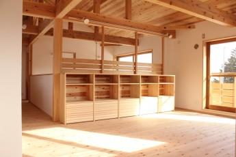 造り付本棚