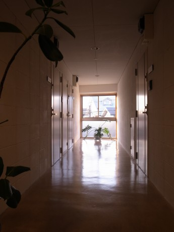 賃貸住戸共用廊下