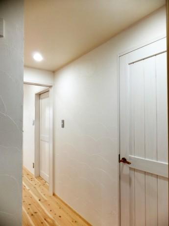 漆喰の廊下