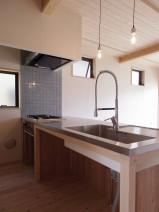 木製オープンキッチン