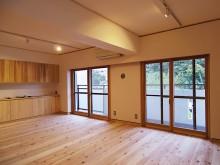 木製の内窓とウール断熱材でぬくぬくの家