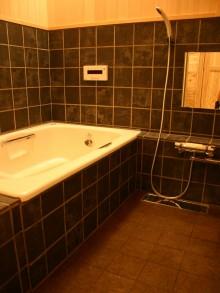 ホーロー+コルクタイル浴室