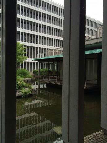 目黒区役所の和室外観