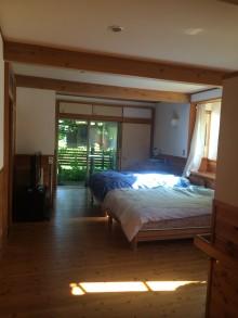 自然素材木造の住宅寝室