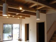 リビング杉板の天井