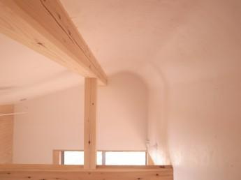光を拡散するアール天井