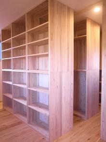 大容量の造作本棚
