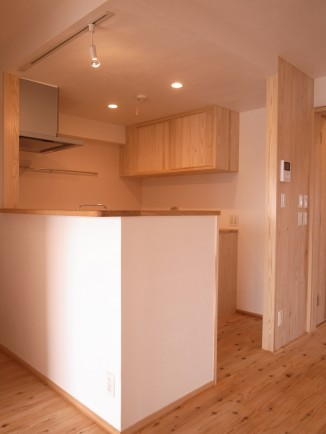 明るい対面キッチン