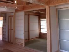 和室。 リビングの一部としても、障子を閉めて客間としても使えます。