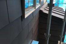 ガルバリウム鋼板横張り