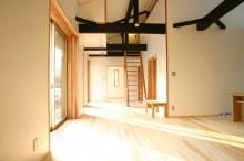 南面の各室へつながるスペース