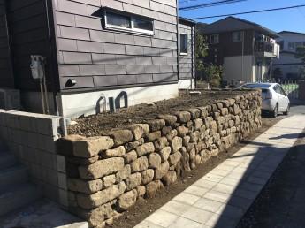 鎌倉石の石積み